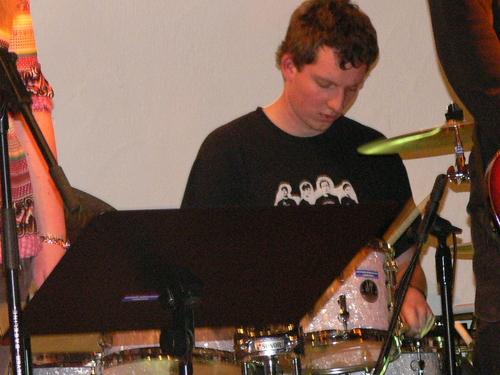 Bild:Stefan an den drums