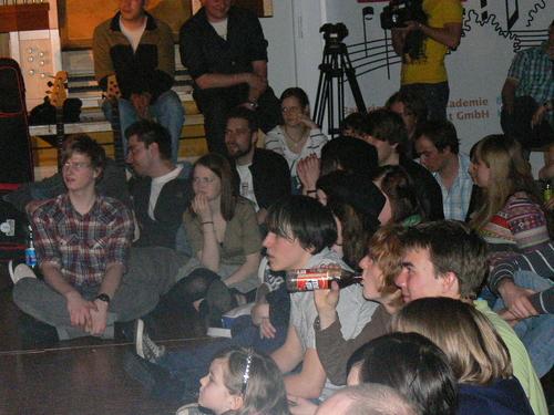 Bild:die BandCamper als Zuhörer